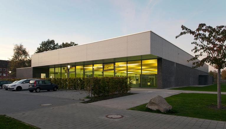 Sporthalle am westring steinwender architekten heide - Steinwender architekten ...