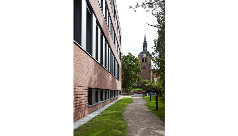 Fassade handwerkskammer steinwender architekten heide - Steinwender architekten ...